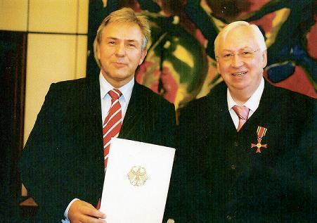 Ehrentafel der deutschen bundesverdienstkreuz tr ger aus for Koch verdienst